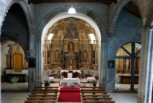 Interior iglesia parroquial Mancera